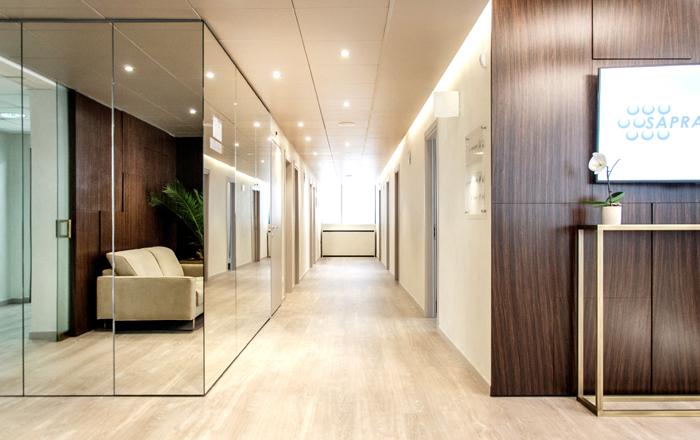 Sapra medical beauty un nuovo concetto di ambiente medico for Arredo legno design